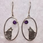 1″ Howling Wolf Open Oval Earrings with Amethyst Inset (Sterling Silver)